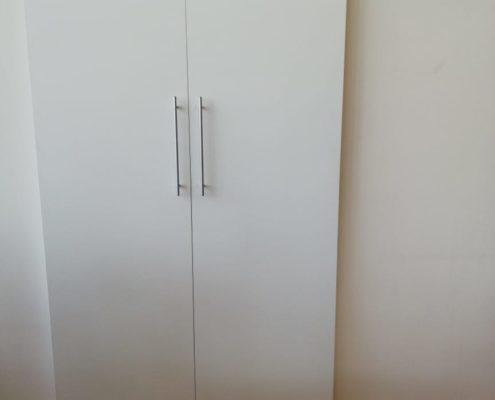 Ремонт двери шкафа купе